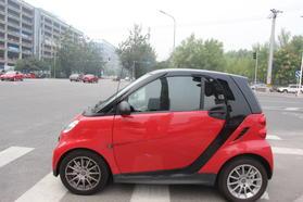 smart fortwo 2013款 1.0 MHD 新年特别版高清图片