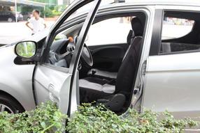 奔奔MINI 2010款 1.0L 手动舒适型高清图片