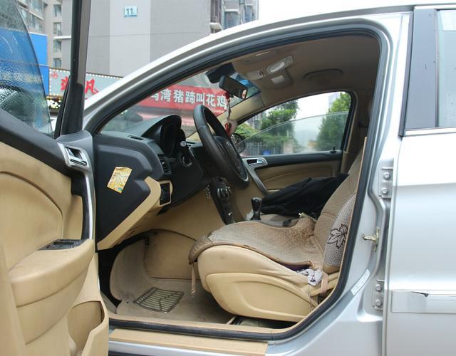 精真估提供二手车奇瑞A3 2010款 1.6L 手动 改款三厢进取型