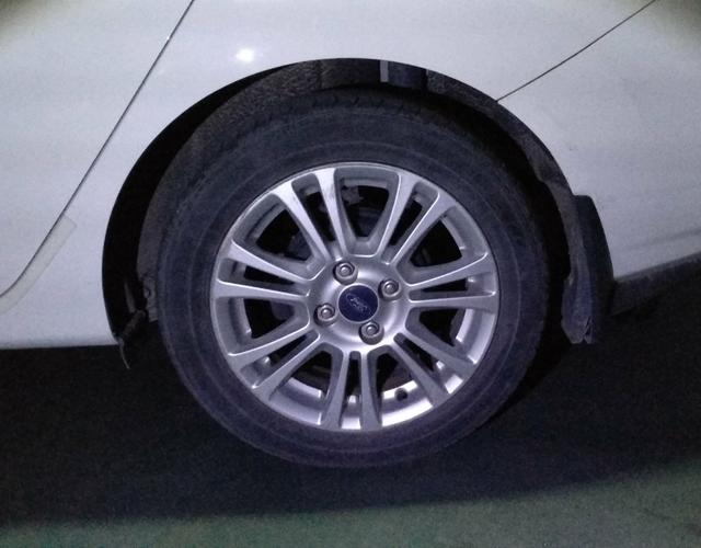 精真估提供二手车嘉年华 2013款 1.5L 双离合 三厢品尚型