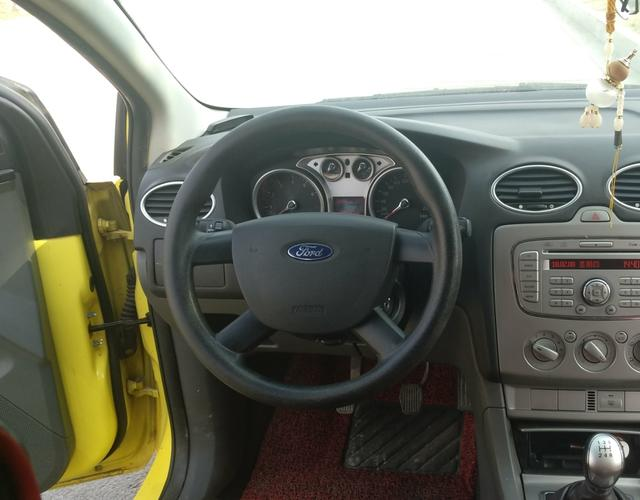 精真估提供二手车福克斯两厢 2012款 1.8L 手动 两厢经典款基本型