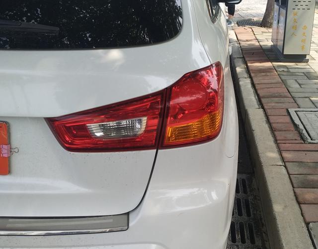 三菱ASX劲炫 [进口] 2011款 2.0L 自动 前驱 炫逸版