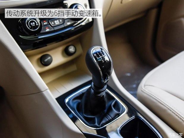 上汽通用五菱 宝骏730 2016款 1.5T 手动豪华型 7座