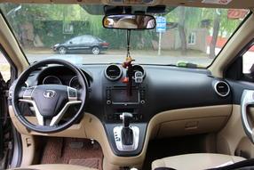哈弗H6 2012款 2.4L 自动两驱尊贵型高清图片