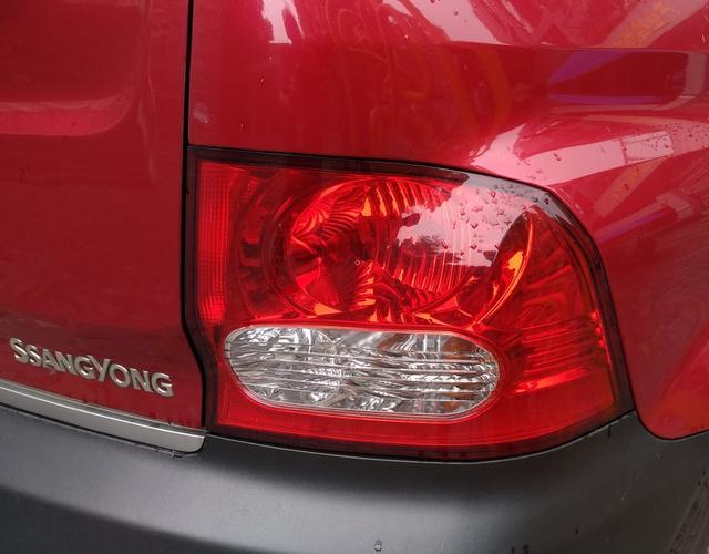 双龙爱腾 [进口] 2006款 2.0T 自动 后驱 标准型