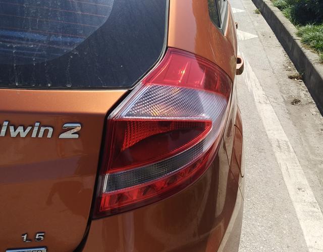 奇瑞风云2 2016款 1.5L 手动 5门5座两厢车 超值版 (国Ⅴ)