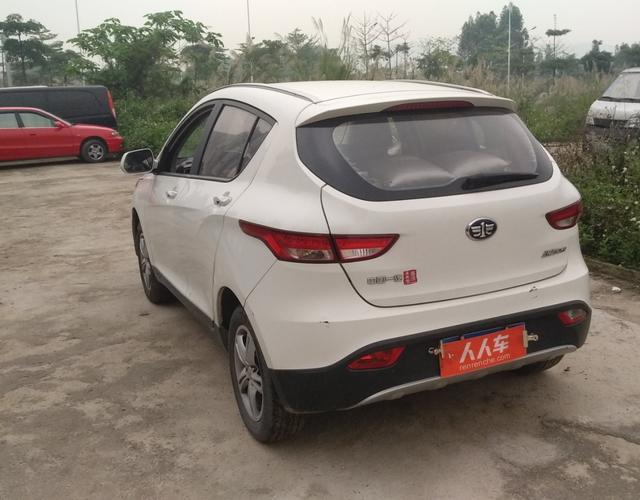 天津一汽2015款 1.5L 手动 标准型 (国Ⅳ)