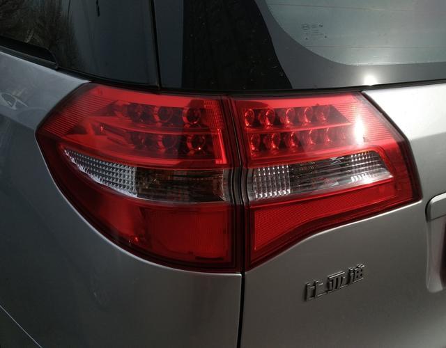 比亚迪M6 2013款 2.0L 手动 7座 舒适型