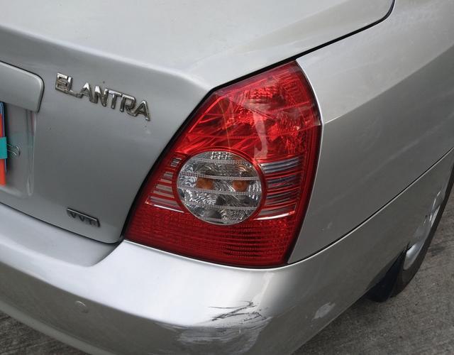 现代伊兰特 2005款 1.6L 自动 4门5座三厢车 GL舒适型 (国Ⅲ)