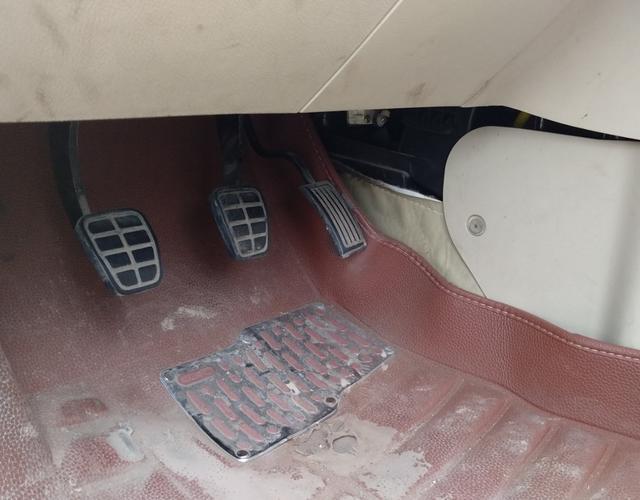 奇瑞风云2 2010款 1.5L 手动 5门5座两厢车 进取型 (国Ⅳ)