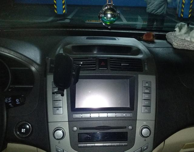 比亚迪S6 2012款 2.4L 自动 前驱 尊享型 (国Ⅳ)