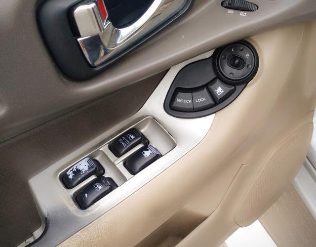 江淮瑞鹰 2009款 2.0L 手动 前驱 豪华舒适型 (国Ⅲ带OBD)