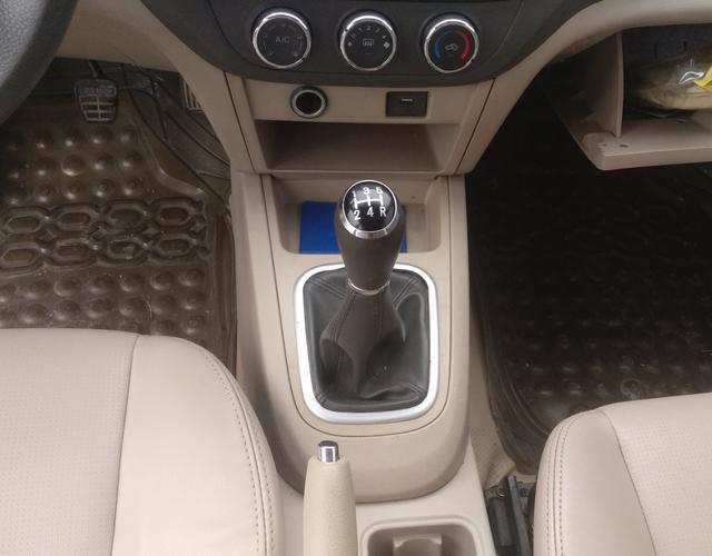 奇瑞E5 2012款 1.5L 手动 运动版 (国Ⅳ)