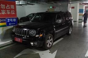 Jeep-自由客 2012款 2.4 豪华版