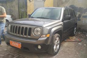 Jeep-自由客 2013款 2.4 豪华导航版