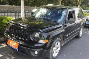 Jeep-自由客 2013款 2.4 运动版